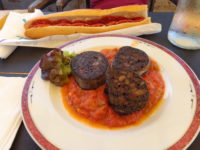 Repas des chasseurs: boudin piperade